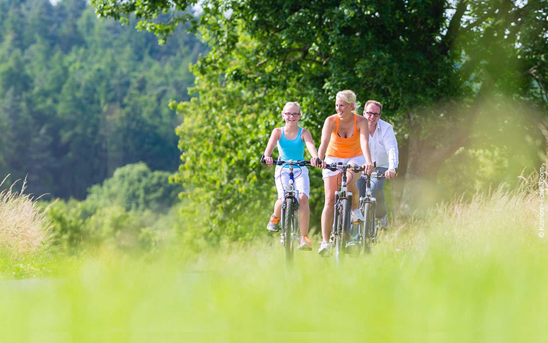 Radfahrer und Biker
